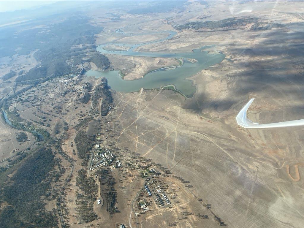 Lake Keepit fast ohne Wasser
